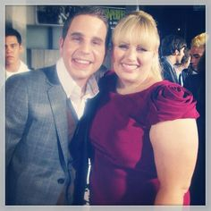 Ben and Rebel posed for a cute photo at the Pitch Perfect premiere. Fat Amy, Dear Evan Hansen, Pitch Perfect, Cute Photos, Movie Tv, Photo Galleries, It Cast, Bring It On, Rebel