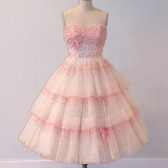 I found '1950s 50s Wedding Dress, Strapless Sweetheart Embroidered Organza Formal Cocktail Wedding Party Prom Dress, Full Circle Skirt, Bombshell' on Wish, check it out!
