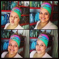"""Oi, meninas, no vídeo de hoje eu ensino como fazer o look """"arrasa"""". É só isso mesmo: vai lá e arrasa ;) huahua #turbante #fatgirl #plussize #autoestima #acessório"""
