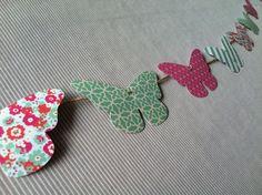 Guirlande papier papillons enfant rose et vert : Décoration pour enfants par l-atelier-cousette