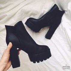 Platform Ankle Boots, High Heel Boots, Heeled Boots, High Heels, Prom Shoes, Shoes Heels, Black Army Boots, Mode Ootd, Wedding Boots