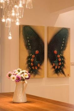 Butterfly painting- I just put a few butterfly pictures/art in my bathroom, if only I would have seen this first! It would so be something I would have attempted to recreate! Diy Canvas, Acrylic Painting Canvas, Canvas Art, Painting Art, Butterfly Painting, Butterfly Art, Butterflies, Cuadros Diy, Crocodile Rock