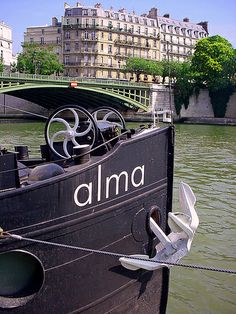 Alma, barge on the Seine