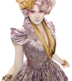 I NEED to cosplay #Effie from #The Hunger Games. Even if it kills me!