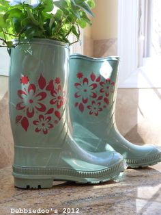 Spray painted and stenciled rain boots from Debbiedoos