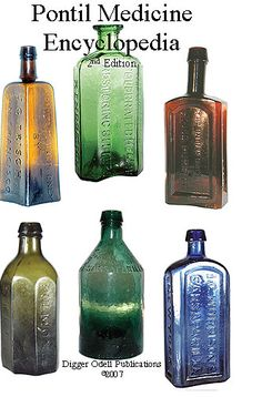Vintage Meets Modern: A Classic Lifestyle New Look - Popular Vintage Old Medicine Bottles, Antique Glass Bottles, Antique Glassware, Vintage Perfume Bottles, Bottles And Jars, Art Vintage, Vintage Decor, Vintage Mason Jars, Vases