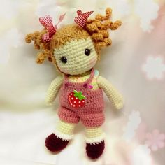 One of the newest trends in crochet is Amigurumi. Amigurumi is the art of creating cute little creatures. The word Amigurumi is a Japanese word that means knitted stuffed toy. These cute little toys can range from a tiny cupcake to a friendly robot. Cute Crochet, Crochet Crafts, Yarn Crafts, Crochet Baby, Crochet Projects, Amigurumi Patterns, Amigurumi Doll, Doll Patterns, Crochet Patterns