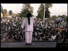 Dennis Brown - Promised Land [Reggae Sunsplash @ Hospitality Point, San ...