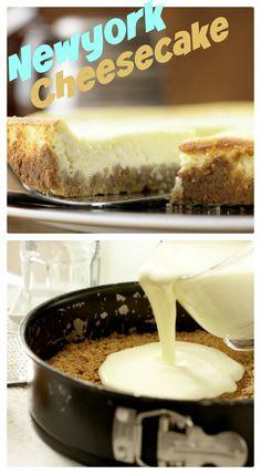 Der Boden besteht aus zerbröselten Vollkorn-Butterkeksen und zerlassener Butter: New Yorker Käsekuchen mit Vollkornkeksen | http://eatsmarter.de/rezepte/new-yorker-kaesekuchen