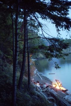 campfire by the lake - Ahhhhhhh...Wants to do!