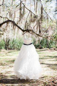 Dramatic, Dark & Romantic Wedding Ideas