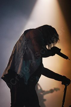 A silhouette #photo of Vince Neil on the Motley Crue Stage #RIPMotleyCrue #TheFinalTour #VinceNeil #MotleyCrue