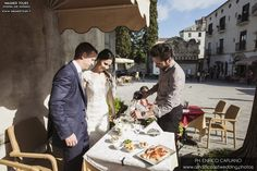Ravello elopement wedding in the town hall garden principessa di piemonte local wedding planner Mario Capuano and professional wedding photographer Enrico Capuano. A Ravello dream wagnertours.it