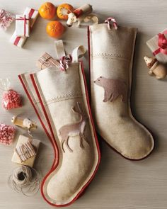 Brimming with gifts on Christmas morning, beautifully decorated handmade stockings are a delight to wake up to.Sew up a wooly stocking and adorn it with fuzzy woodland animals.