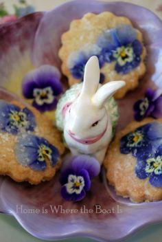Pansy Shortbread Cookies #edibleflowers #Easter