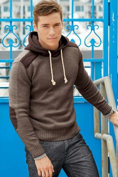 Elbow patches seem to be my thing recently; and this hoodie looks SOO comfy!!
