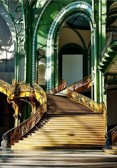 steampunktendencies:  Grand Palais staircase - Paris