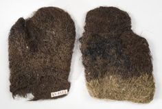 Nalbound mittens, Porajärvi, Olonets Carelia, Russia. Horse hair (tail/mane). Prior to 1941.