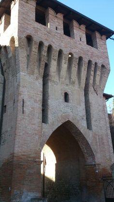 Porta di ingresso nel centro storico di Castellarano, Reggio Emilia