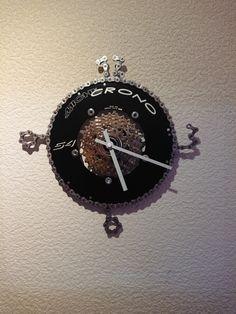 Uhr aus Fahrradteilen Pocket Watch, Clock, Accessories, Decor, Diy Clock, Bicycle Parts, Watch, Decoration, Clocks