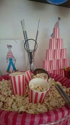 Where is wally theme birthday Wo Ist Walter, Trunk Party, Wheres Wally, Dinner Themes, Monster Party, 8th Birthday, Party Games, House Warming, Halloween Party