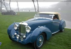 The Lagonda was first displayed at the New York Auto Salon in October 1939 in preparation for the 1940 model year. The Lagonda, according to the press o. Convertible, Aston Martin Lagonda, Vintage Cars, Funny Vintage, Vintage Ideas, Vintage Designs, Vintage Photos, Classy Cars, Cars Uk