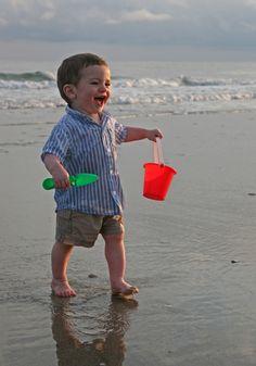 My Son Had a Surprising Allergy Scare After a Trip to the Beach Beach Kids, Beach Fun, Beach Babies, Hawaii Beach, Oahu Hawaii, Precious Children, School Photos, Beach Scenes, Happy People