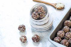 Fáciles y Deliciosas Bolitas de Almendras con Dátil