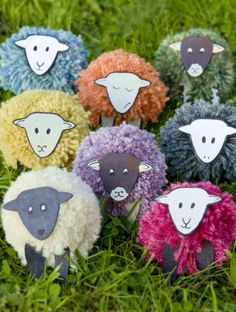 Sheep pompoms – ooh this is a great idea! Could be a cute idea for Iceland swap at World thinking Day. Kids Crafts, Sheep Crafts, Bible Crafts, Easter Crafts, Diy And Crafts, Christmas Crafts, Arts And Crafts, World Thinking Day, Pom Pom Crafts
