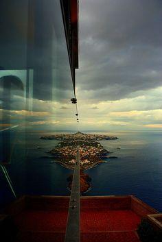 Cabo Girao - teleferico - Madeira - Portugal www.casadomiradouro.com www.madeiracasa.com