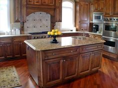 Ideas For Small Kitchen With Countertops Decoration, small kitchen design, small kitchen ideas ~ Home Design Kitchen Island Shapes, Kitchen Layouts With Island, Kitchen Islands, Kitchen Colors, Wood Kitchen Cabinets, Kitchen Cabinet Design, Wooden Kitchen, Granite Kitchen, Dark Cabinets