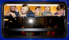 Prince Willem-Alexander and Princess Maxima travel by train for winter break - Picture 2