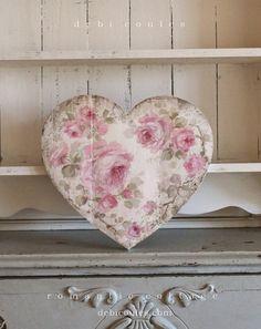 Romantic Shabby Chic Vintage Style Medium Roses Heart - Debi Coules Romantic Art