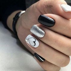 New Nail Designs, Black Nail Designs, White Nails With Design, Heart Nail Designs, Cute Nails, Pretty Nails, Nailart, Valentine Nail Art, Nails For Valentines Day