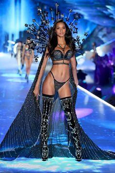 See Adriana Lima's Emotional Final Walk for Victoria's Secret Fashion Show 2018   Vogue