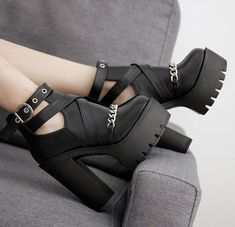 Alternative Fashion Chain Women Shoes Zipper Square High Heel Ankle Punk Boots Goth Rock Platform,Boots for Women - Face the Breeze and Weather with Attraction Women's boots : With the right women's boots , you not just allow it to be through snow . Platform Ankle Boots, Platform High Heels, High Heel Boots, Heeled Boots, Shoe Boots, Women's Shoes, Shoes Sneakers, Cute Shoes Heels, High Heels Outfit