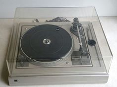 Vintage DUAL 1258 AUTO VARIO BELT DRIVE TURNTABLE in Blue Springs, MO (sells for $135)