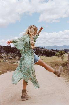 Hippie Chic, Bohemian Style, Indie Style, Bohemian Beach, Floral Maxi Dress, Boho Dress, Spell Designs, Mode Boho, Cotton Kimono