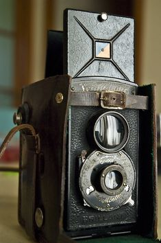 i want this camera! Voigtlander: My Vintage Camera [enlarge]