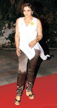 Raveena Tandon makes a stylish entrance to support a anti-tobacco campaign #India #Fashion #Bollywood