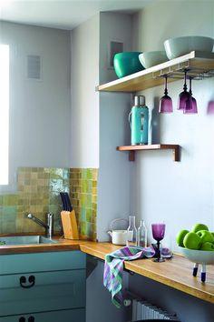Un appartement rétro, en douceur et en couleur. Teinte : Mojito ; peinture : Idrotop.