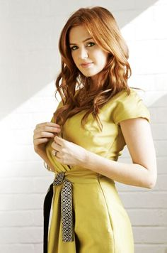 Isla Fisher pipe