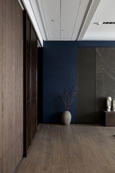 38 apartment decorating tips for a sleek modern style 37 Ceiling Design, Wall Design, House Design, Japanese Interior, Contemporary Interior, Interior Walls, Living Room Interior, Of Wallpaper, Interiores Design
