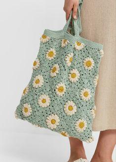 Crochet Afgans, Diy Crochet, Crochet Designs, Crochet Patterns, Hand Knit Bag, Crochet Market Bag, Crochet Magazine, Knitted Bags, Crochet Tote Bags