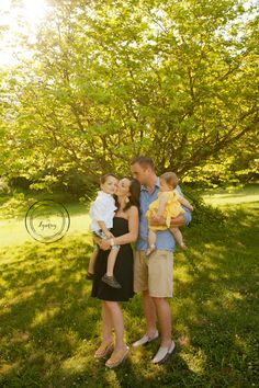 Summer Family Photos - Photography by Lyndsey - Pittsburgh Family Photographer