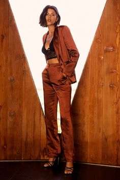 Looking posh comes so easily to the Lulus Très Chic Rust Brown Satin Trouser Pants! Sleek satin slacks with straight pant legs and front pockets. Satin Trousers, Trouser Pants, Harem Pants, Khaki Pants, Orange Blazer, Monochrome Outfit, Blazer Dress, Fall Dresses, Wedding Dresses