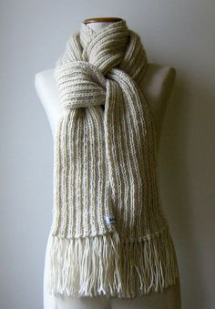 Bufanda de lana crudo tejida de punto por knitBranda en Etsy, $70.00