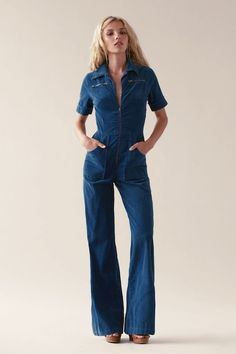 Retro Fashion What to wear with jeans jumpsuit 50 best outfits 70s Outfits, Cool Outfits, Vintage Outfits, Fashion Outfits, 70s Inspired Fashion, 70s Fashion, Autumn Fashion, Fashion Vintage, Vintage Inspired