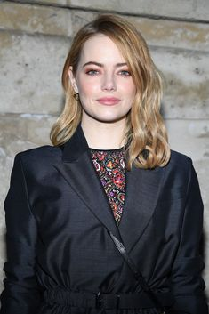 Emma Stone's makeup at the Louis Vuiton Fall 2018 show in Paris