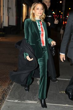 Nicole Richie just served up a serious cool-girl party look that we'll be copying ASAP. See and shop the look here. Source by WhoWhatWear clothing party Classy Outfits, Trendy Outfits, Cool Outfits, Fashion Outfits, Fashion Clothes, Fashion Ideas, Womens Fashion, Fashion Trends, Olivia Palermo